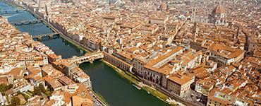 Florenz gehörte im 15. und 16 Jahrhundert zu den reichsten Städten Europas. Die Architektur und das Stadtbild wurden durch berühmte Meister wie Michelangelo und Leonardo da Vinci geprägt. Nicht zuletzt gilt Florenz deshalb als die Geburtsstätte der Renaissance.