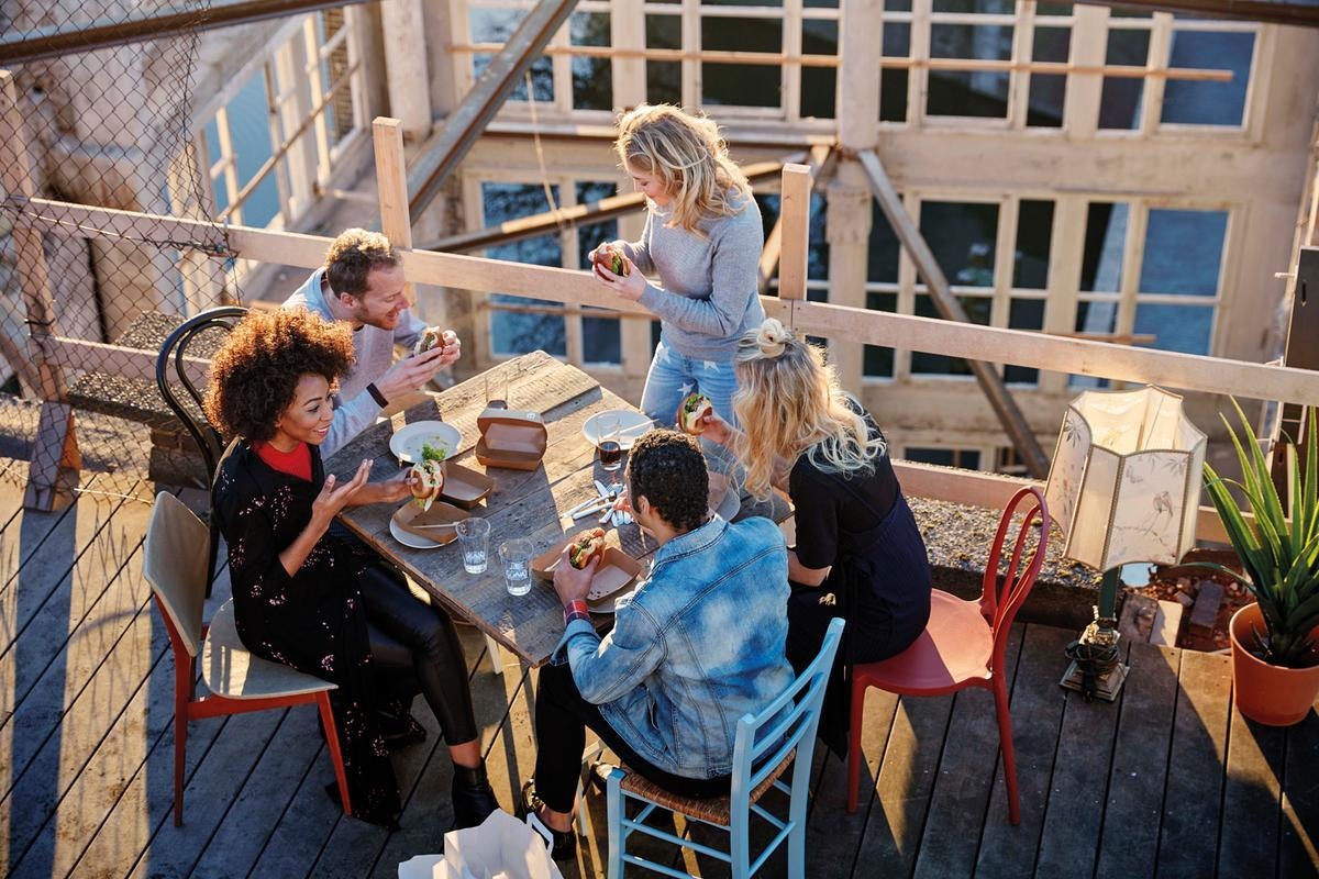 Friends Roofterass Ordering