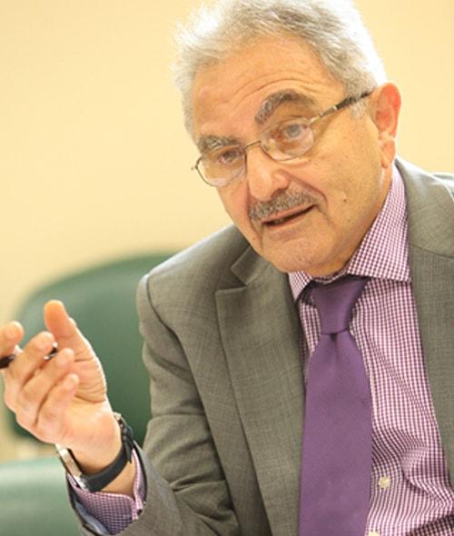 Dr. Amer Khayatt
