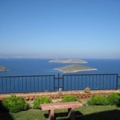 Yalıkavak'ta Deniz Manzaralı Villa...