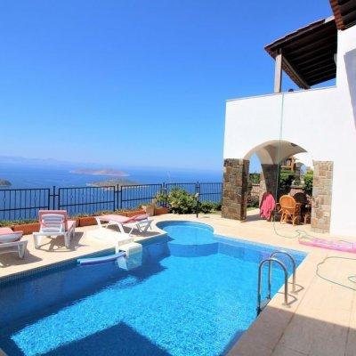 2020 Sezonunda Yalıkavak'ta Özel Havuzlu 4 Yatak Odalı Deniz Manzaralı  8 Kişilik Villa (nv11b)