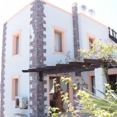 Gümüşlükte Denize 1,5 Km Mesafede 2+1  5 Kişilik Villa...