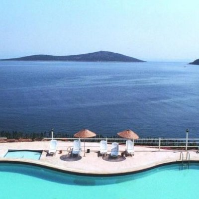 2020 Sezonunda Gündoğan'da Denize Sıfır, İskeleli Sitede Villa...