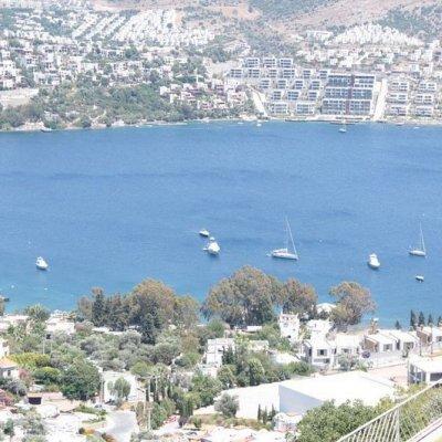 Gündoğanda Deniz Manzaralı Site İçerisinde Penthouse Daire..