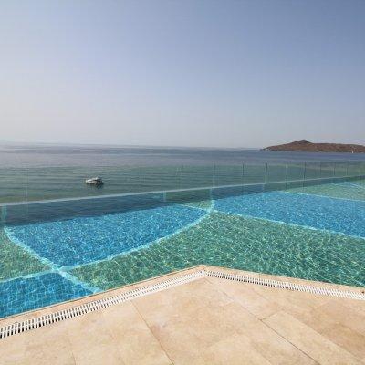 Denize Sıfır Sitede Villa