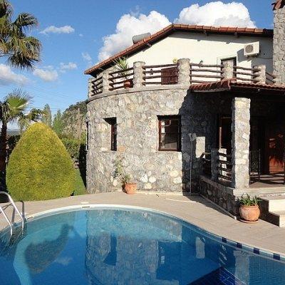 Dalyan'da Doğa Ve Havuz Manzaralı 8 Kişilik Villa...