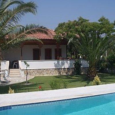 Dalyan Merkeze Yürüme Mesafesinde Havuzlu Villa...