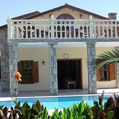 Dalyan'da Doğa Ve Havuz Manzaralı 10 Kişilik Villa...