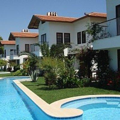 Dalyan'da Balıkçı Köyünde 50 Metrelik Havuzuyla Kiralık  Villa...