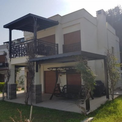 Yalıkavak Geriş'te Denize Sıfır Sitede Villa