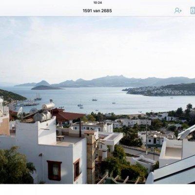 Bitez'de Denize Yürüme Mesafesinde Bodrum Tipi 3+1 Villa...