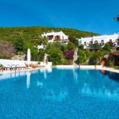 Yalıkavak'ta Deniz Ve Marina  Manzaralı 16 Kişilik Butik Villa...