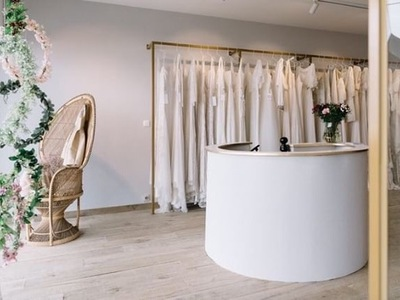 oui bridal studio photo