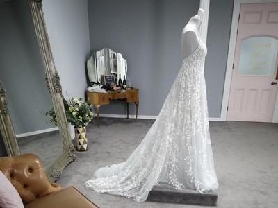 indie grace bridal photo