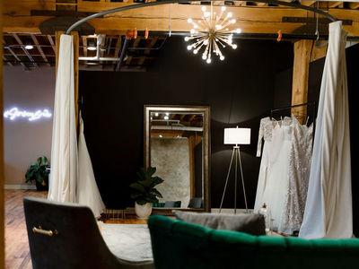 strike bridal bar photo 3