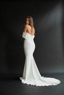 dakota  dress photo 2