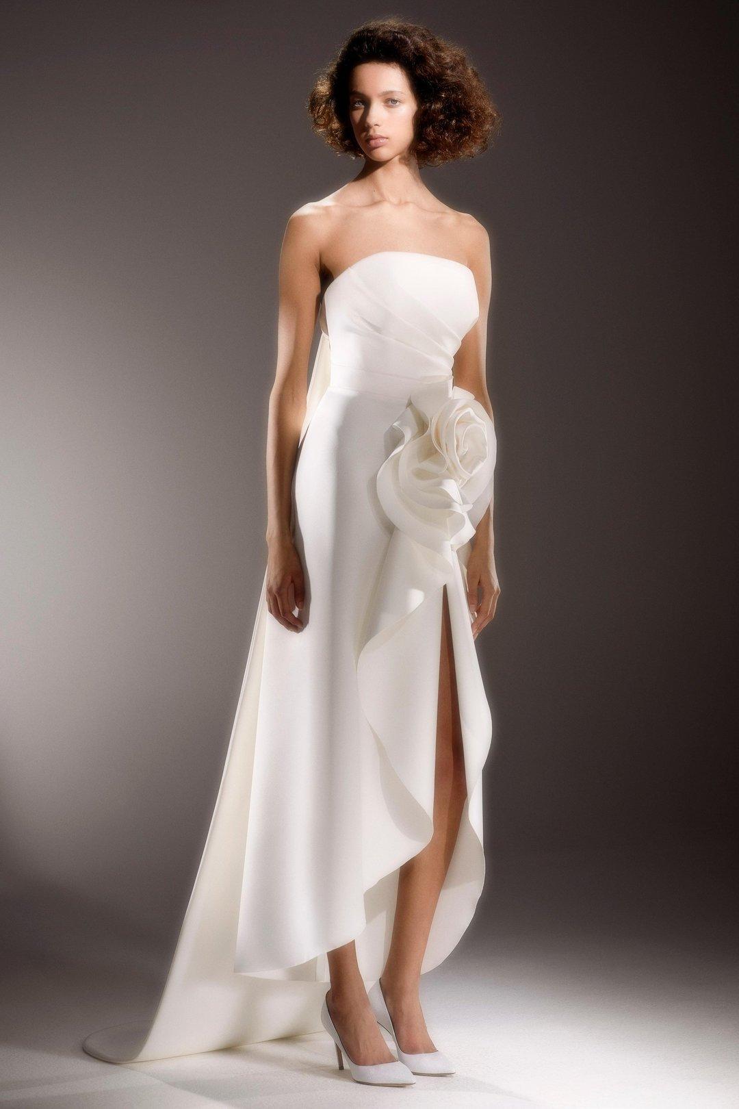 draped rose column  dress photo