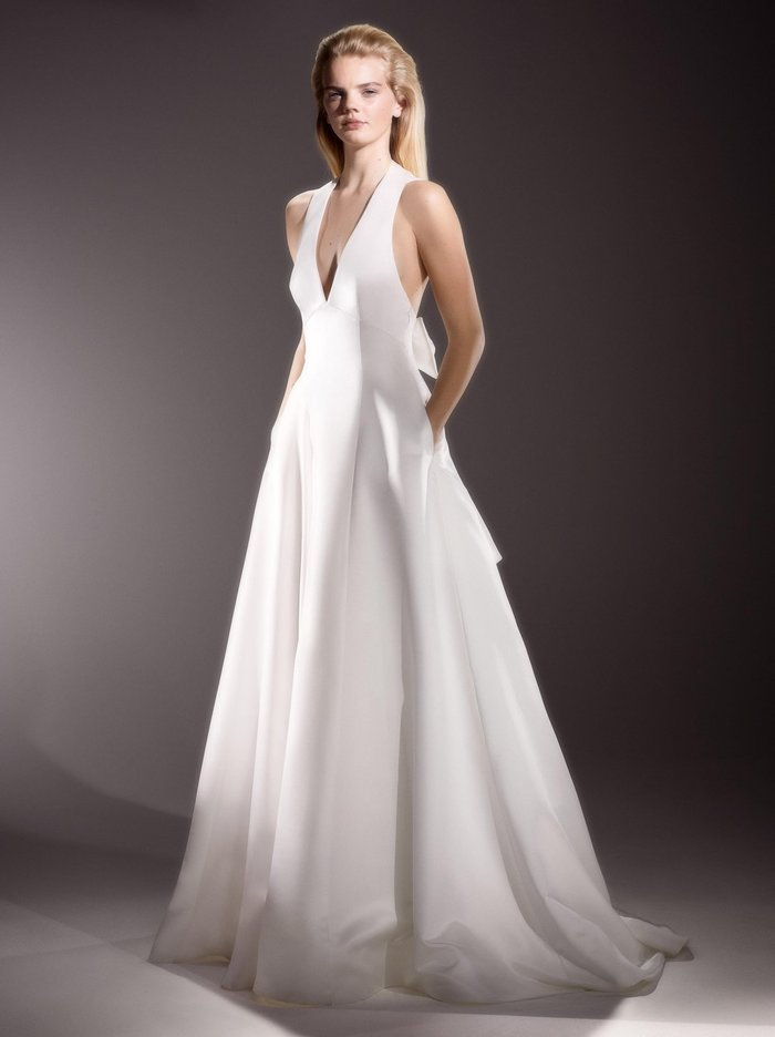 inverted v back bow gown  dress photo