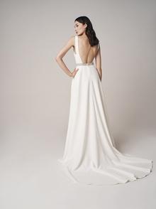 230 dress photo 4