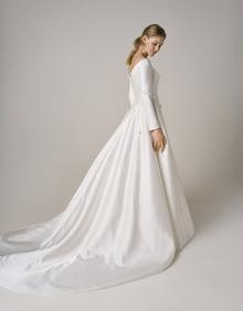 240 dress photo 2