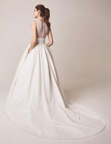 104 dress photo 3
