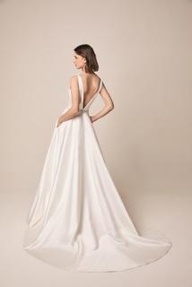 105 dress photo 3