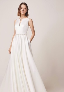 105 dress photo 4