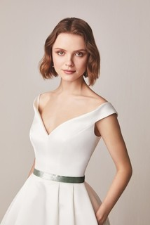160 dress photo 3