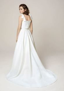 900 dress photo 2