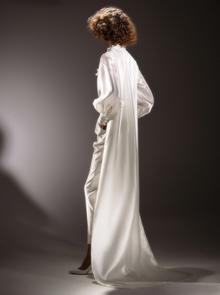 immaculate dramatic train blouse  dress photo 2
