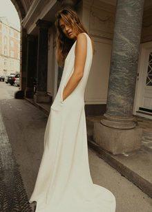 alisa dress dress photo 4
