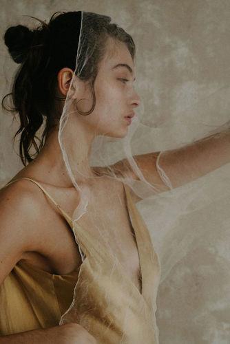 golden juliette dress photo
