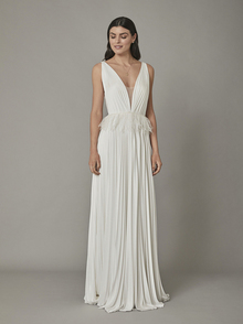 reeve gown dress photo 1