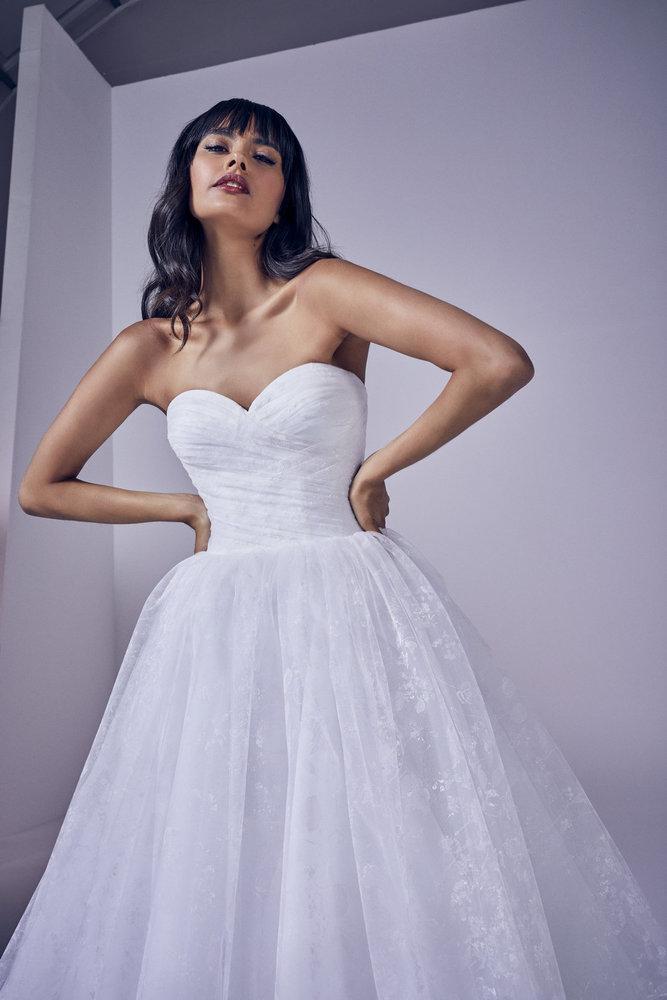 amora dress photo