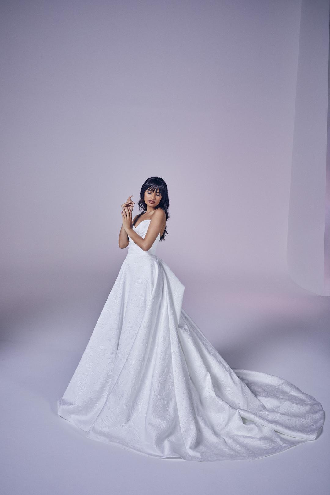 operetta dress photo