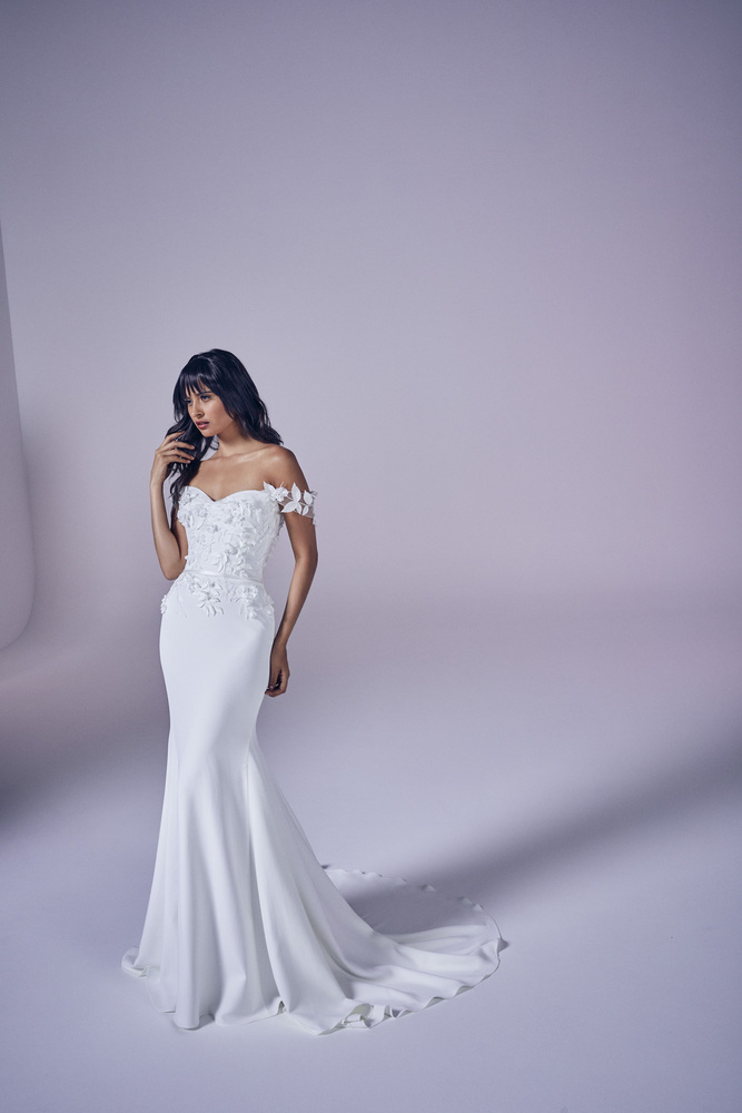 romance dress photo