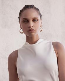 mila dress photo 4
