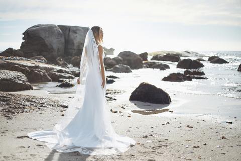 cyrus veil  dress photo 4