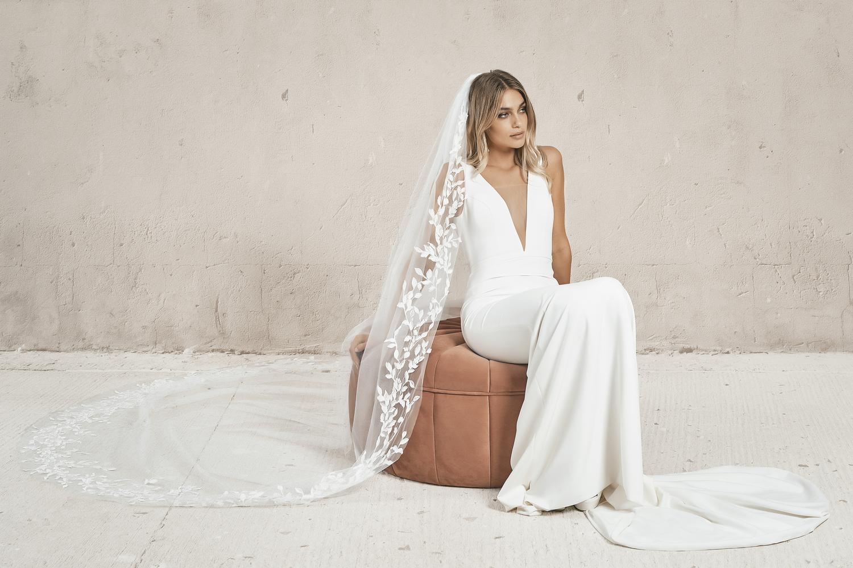 wilde veil  dress photo