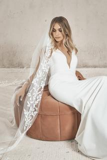 wilde veil  dress photo 3
