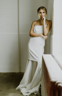 hermosa in off white dress photo 2