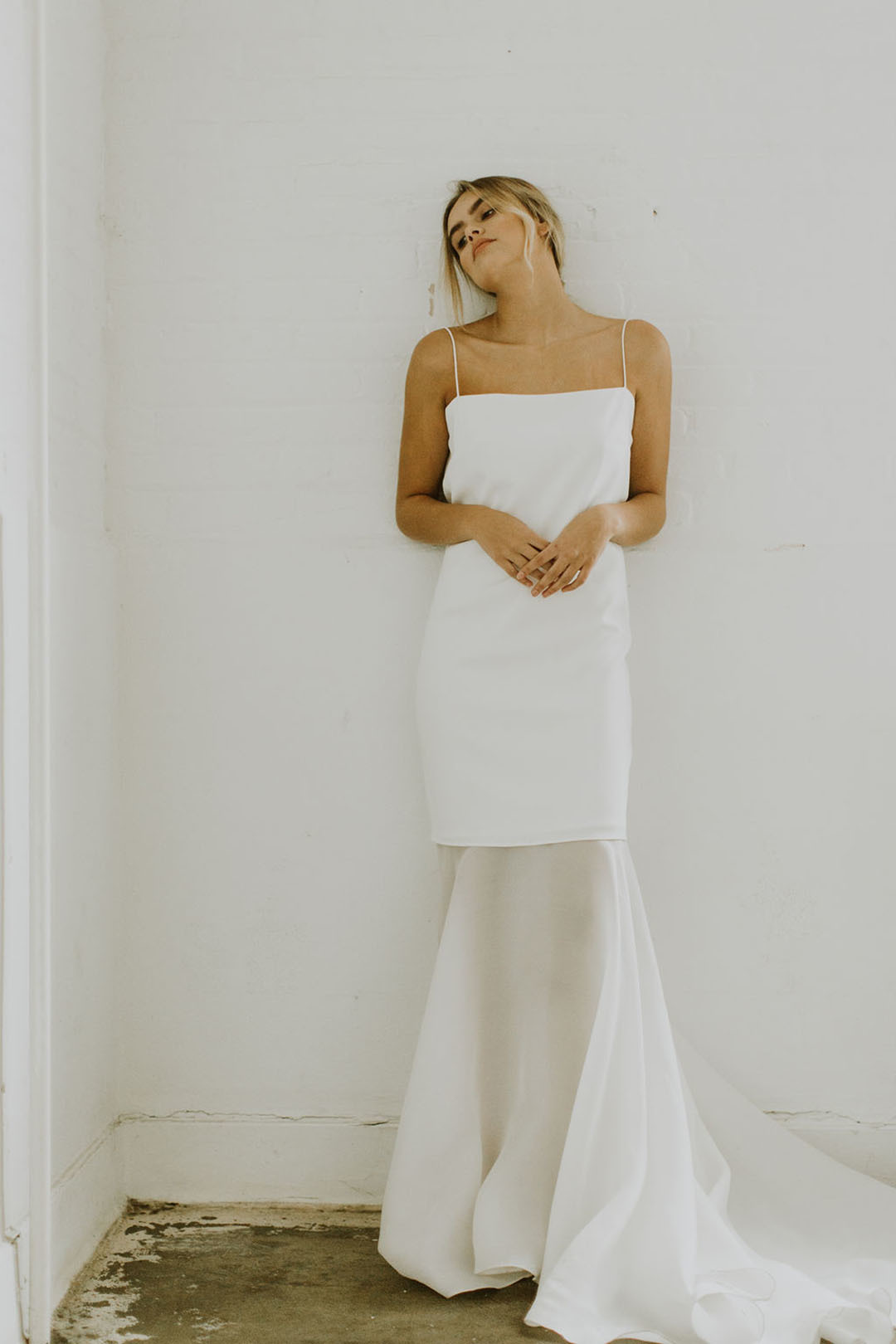 hermosa in off white dress photo