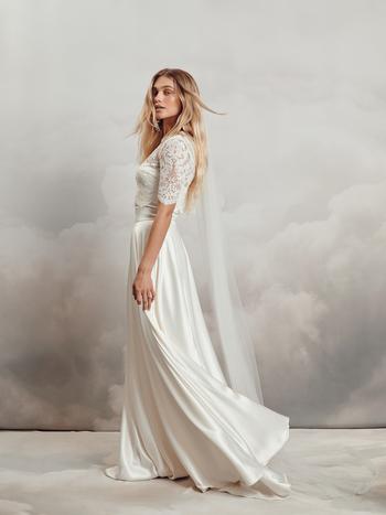 chelsea veil dress photo