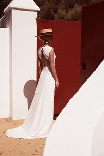 trajan dress photo 1