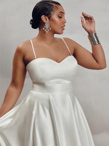 darla bodice satin - curve dress photo 1