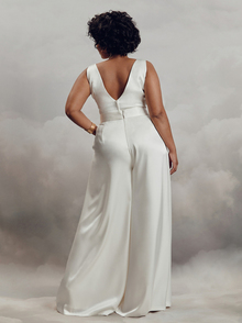 livi top - curve dress photo 2
