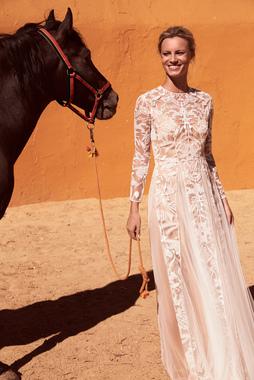 Dress quarter 1546885660