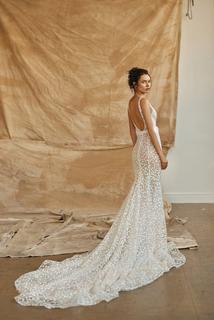 taylor dress photo 2