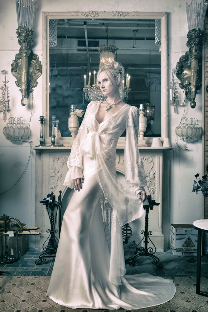 emmanuelle dress photo