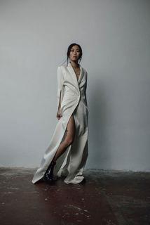 sleek blazer dress photo 3